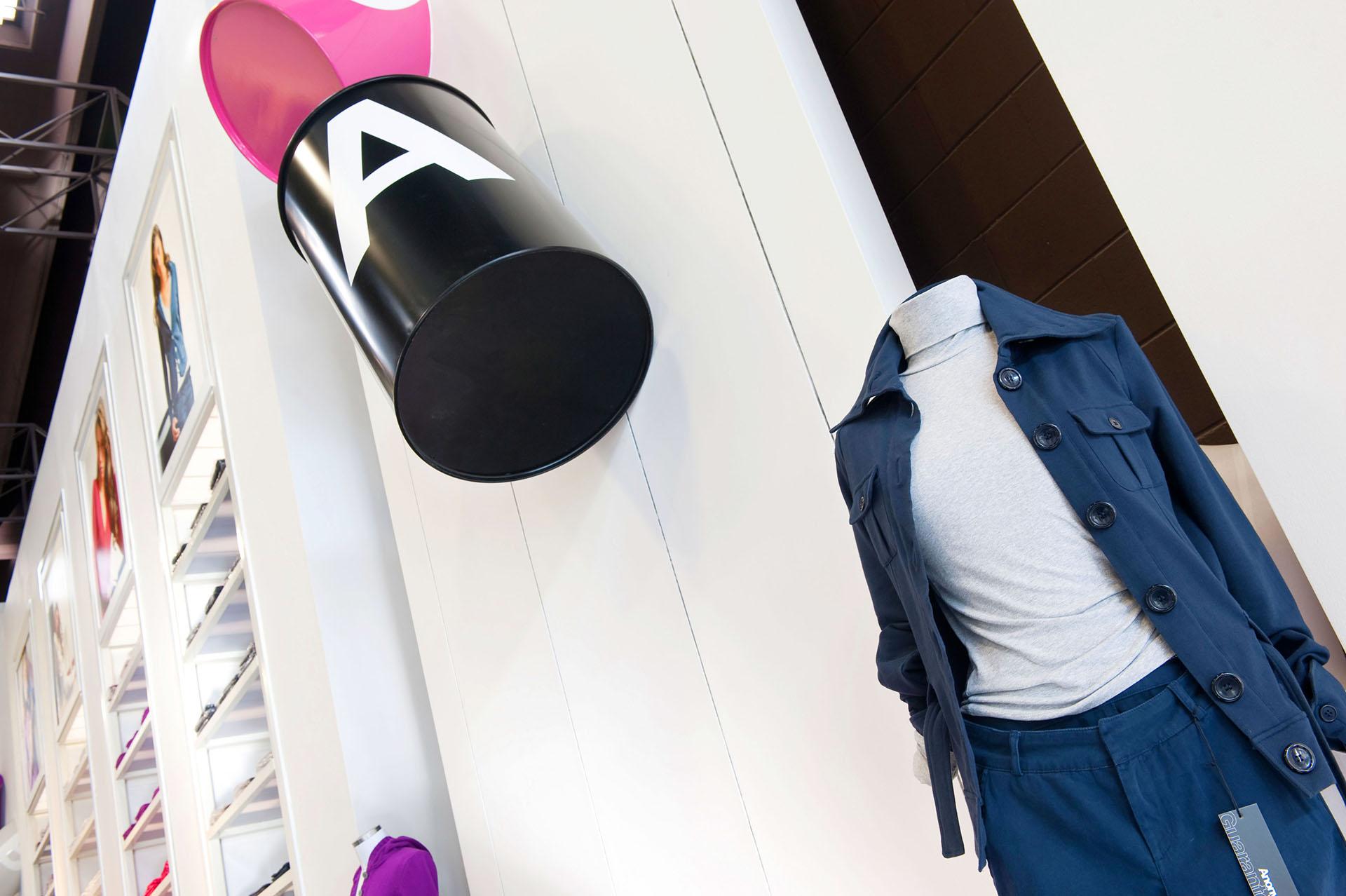 flagship store anonymato retail design
