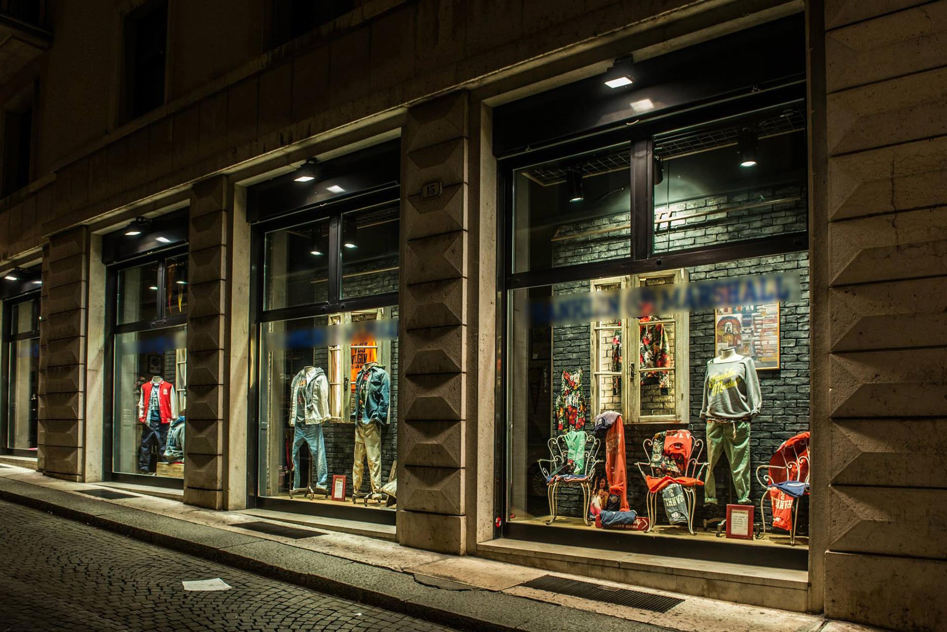 flagship store F&M vintage retail design