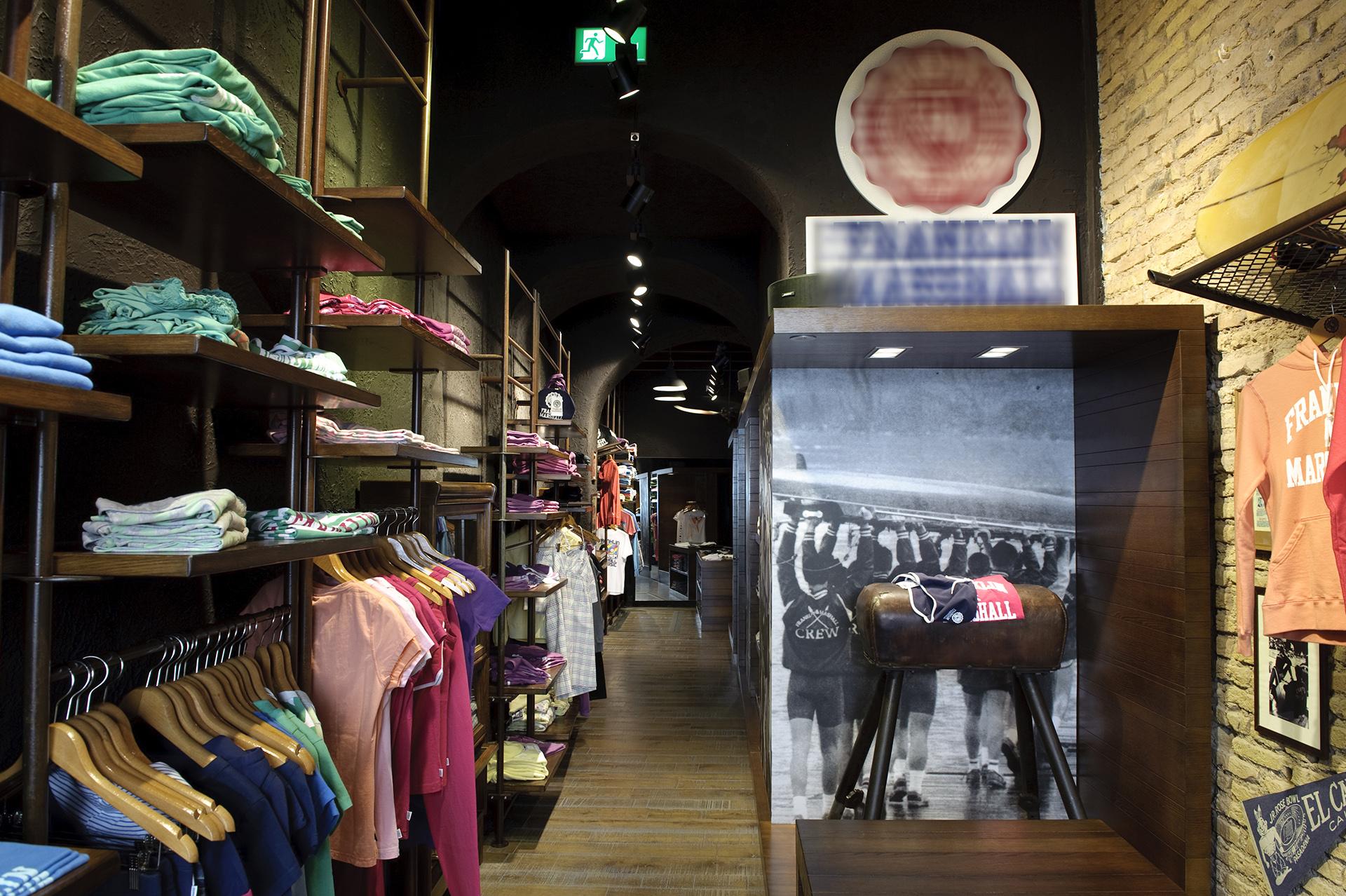 vintage store F&M roma