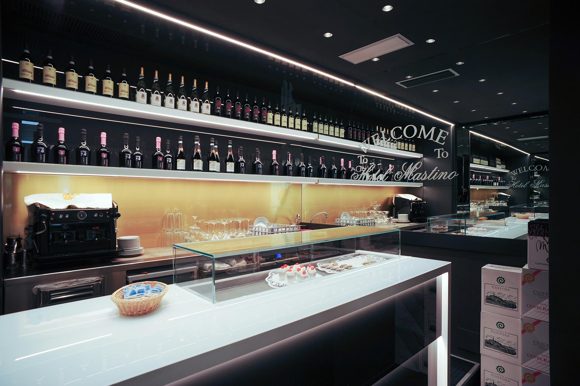 bar Hotel Mastino vetro black&white