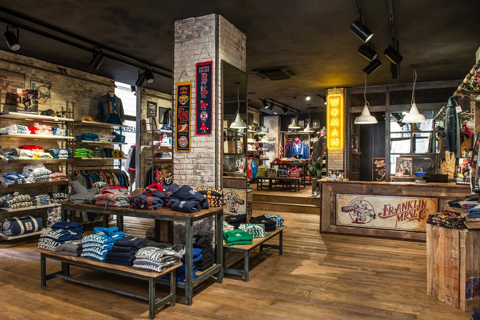 MONOBRAND STORE F&M VERONA - Progettazione Integrata Retail and ...